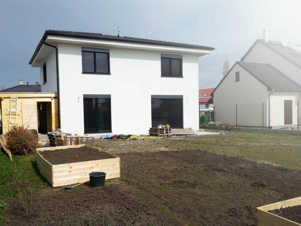 Dvojpodlažný priestranný rodinný dom pre 5-6 člennú rodinu - woodhouse.sk