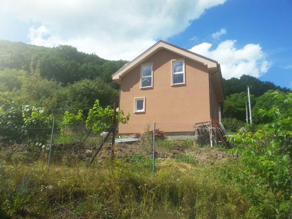 Poschodový nízkoenergetický rodinný dom   realizácia od woodhouse.sk